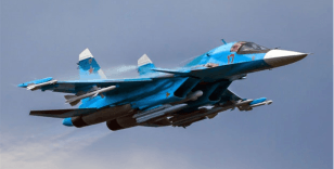 Rus savaş uçakları havada çarpıştı