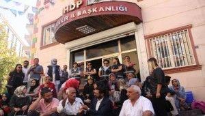 'Evlat' nöbetindeki ailelerden HDP'ye tepki