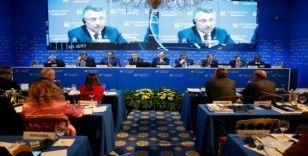 Cumhurbaşkanı Yardımcısı Oktay İtalya'da Türk vatandaşları ile bir araya geldi