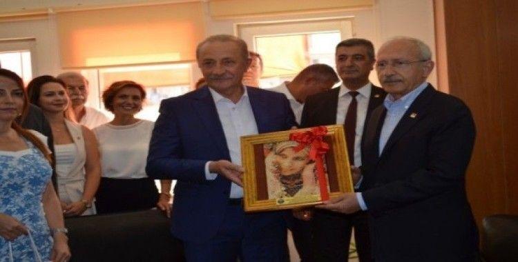 CHP Lideri Kılıçdaroğlu'ndan Didim Belediyesine ziyaret