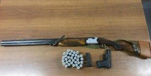 Mesire alanı yakınlarında silahları denerken jandarmaya yakalandılar