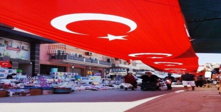 Festival caddesine, 500 metrelik bayrak