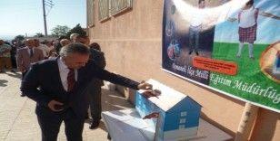 Veliler sigara paralarını okula bağışladı
