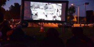 Açık Hava Sinemasında 'Bir Millet Uyanıyor' filmi izlendi