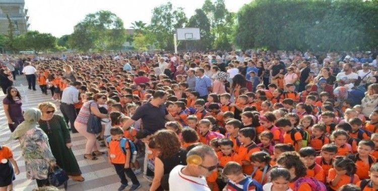 Didim'de 12 bin öğrenci için ders zili çaldı