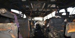 Yolcu otobüs seyir halindeyken alev aldı