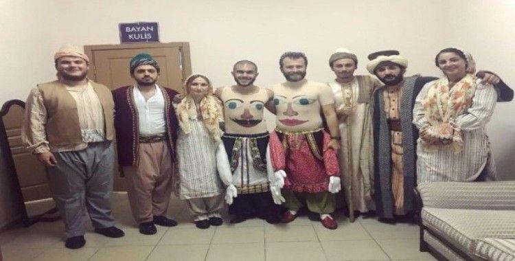 'Sui Generis Tiyatro' Türkiye'nin her yerinde