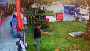 Senet çetesinin iş yeri sahibine silahlı saldırı anları kamerada
