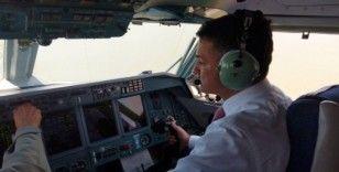 Bakan Pakdemirli, yangın söndürme uçağını kullanarak test etti
