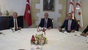 Bakan Çavuşoğlu, KKTC'de siyasi partilerle yuvarlak masa toplantısında