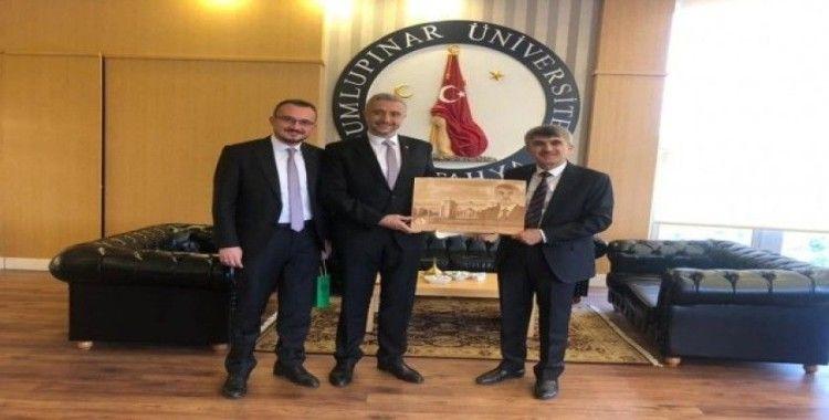 Başkan Kulat'tan Rektör Uysal'a hayırlı olsun ziyareti