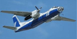 Rusya'da kalkışa hazırlanan yolcu uçağının motoru alev aldı