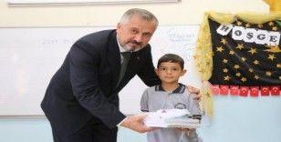 Başkan Kılıç okulların ilk gününde öğrencileri yalnız bırakmadı