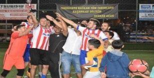 Aliağa'da 9 Eylül kupasının sahibi Karakuzu oldu