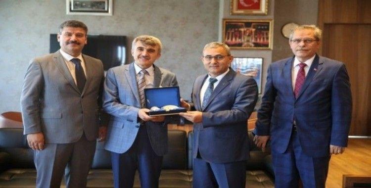 Rektör Uysal'dan Başkan Işık'a ziyaret