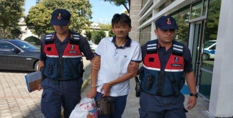 Eşini ziyarete gittiği cezaevinde yakalandı, kendisi de tutuklandı