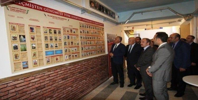 Bayburt Milli İrade Anadolu Lisesi'nde Edebiyat Sokağı açıldı