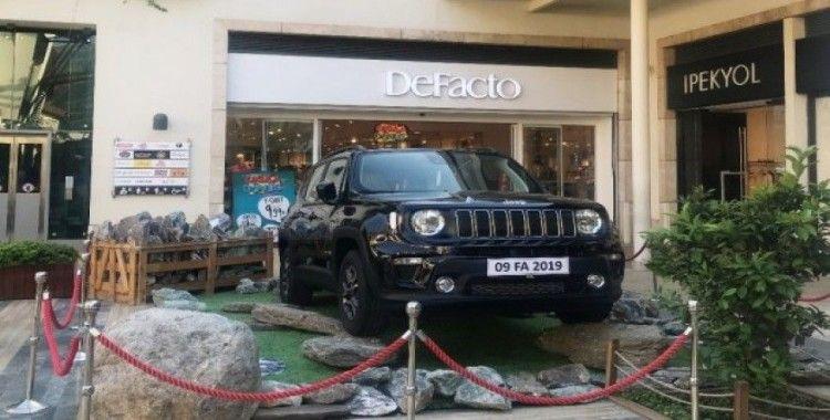 Forum Aydın'da alışverişler Jeep Renegade sahibi yapıyor