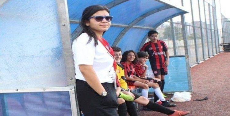 Futbolcuların Rabia Ablası
