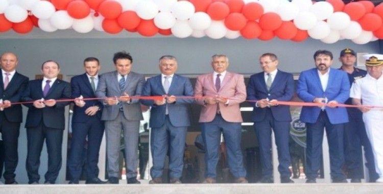 Ayvalık'ta Vali Yazıcı'dan Sakarya İlkoku'nun yeni binasına görkemli açılış