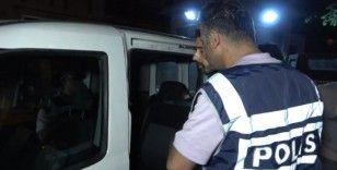 Bursa'da iç çamaşırdan uyuşturucu çıktı