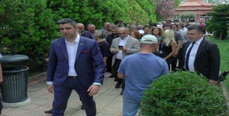 Başkan Yüksel'den vatandaşlara aşure ikramı