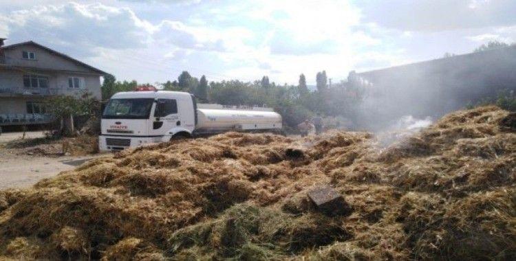 Simav'da samanlık yangını korkuttu