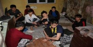 Erzurum'da 42 kaçak göçmen yakalandı