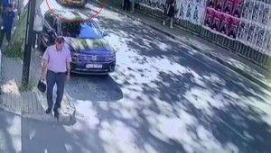 Yolda yürüyen kadının yaşadığı kaza kamerada