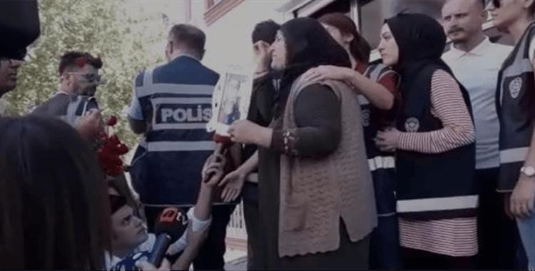 HDP binası önünde arbede