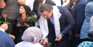 Memur-Sen Genel Başkanı Yalçın'dan Diyarbakır'da eylem yapan ailelere destek ziyareti