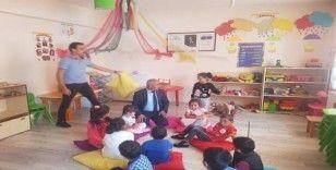 Başkan Ensari'den anaokuluna ziyaret