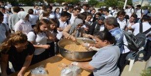 Alp Oğuz Anadolu Lisesi'nde aşure etkinliği