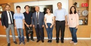 Kütahya'da Teknofest'e katılacak öğrencilerden İl Milli Eğitim Müdürlüğü'ne ziyaret