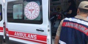 Kayıp Emin dedeyi bulan jandarma ve AFAD, ambulansa kadar sırtında taşıdı