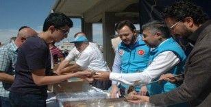 Türk Diyanet Vakfından aşure ikramı