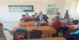 Altıntaş'ta köy okullarına ziyaret