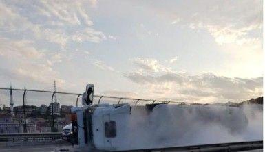 TEM otoyolunda oksijen yüklü tanker devrildi, TEM trafiğe kapandı