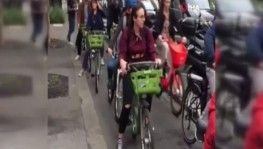 Paris'te toplu taşıma çalışanlarının grevi hayatı felç etti
