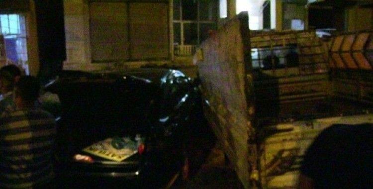 Samandağ'da Otomobil ile Kamyonet çarpıştı:1 yaralı