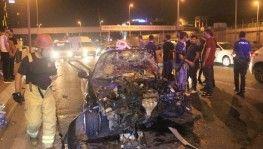 Önce bariyerlere sonra başka bir otomobile çarptı, 5 yaralı