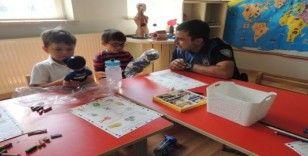 Kars'ta polisten anaokuluna ziyaret