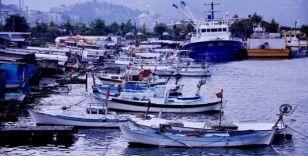 """Arslan: """"Karadeniz alarm veriyor, balık av sezonu Kasım'da kapanabilir"""""""