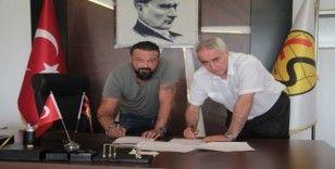 Eskişehirspor'un yeni teknik direktörü Coşkun Demirbakan