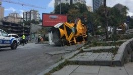 İstanbul'da beton mikseri dehşeti kamerada