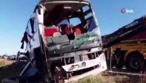 Afyonkarahisar'da otobüs devrildi