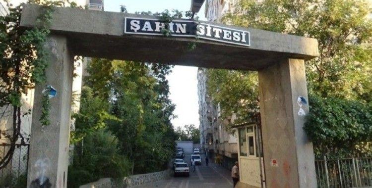Diyarbakır'da 11 yaşındaki kız çocuğunu taciz iddiası mahalleyi karıştırdı: 2 yaralı
