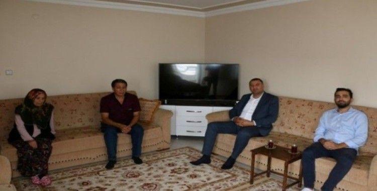 Şehit ailesine Kartal Belediyesinden ziyaret