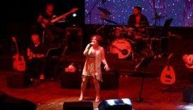 Sapanca'da Nazan Öncel rüzgarı esti