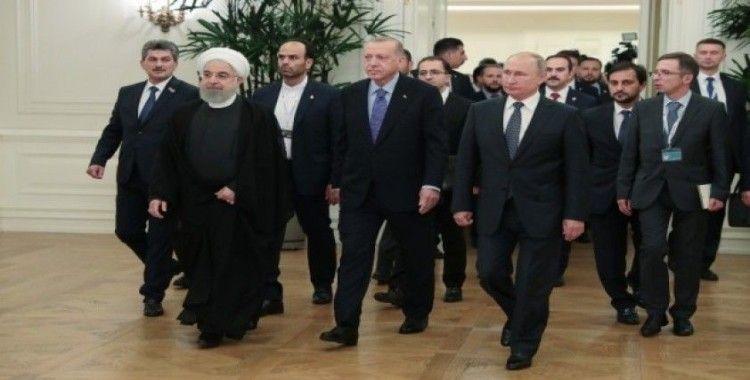 Ruhani, Suriye'nin toprak bütünlüğüne vurgu yaptı